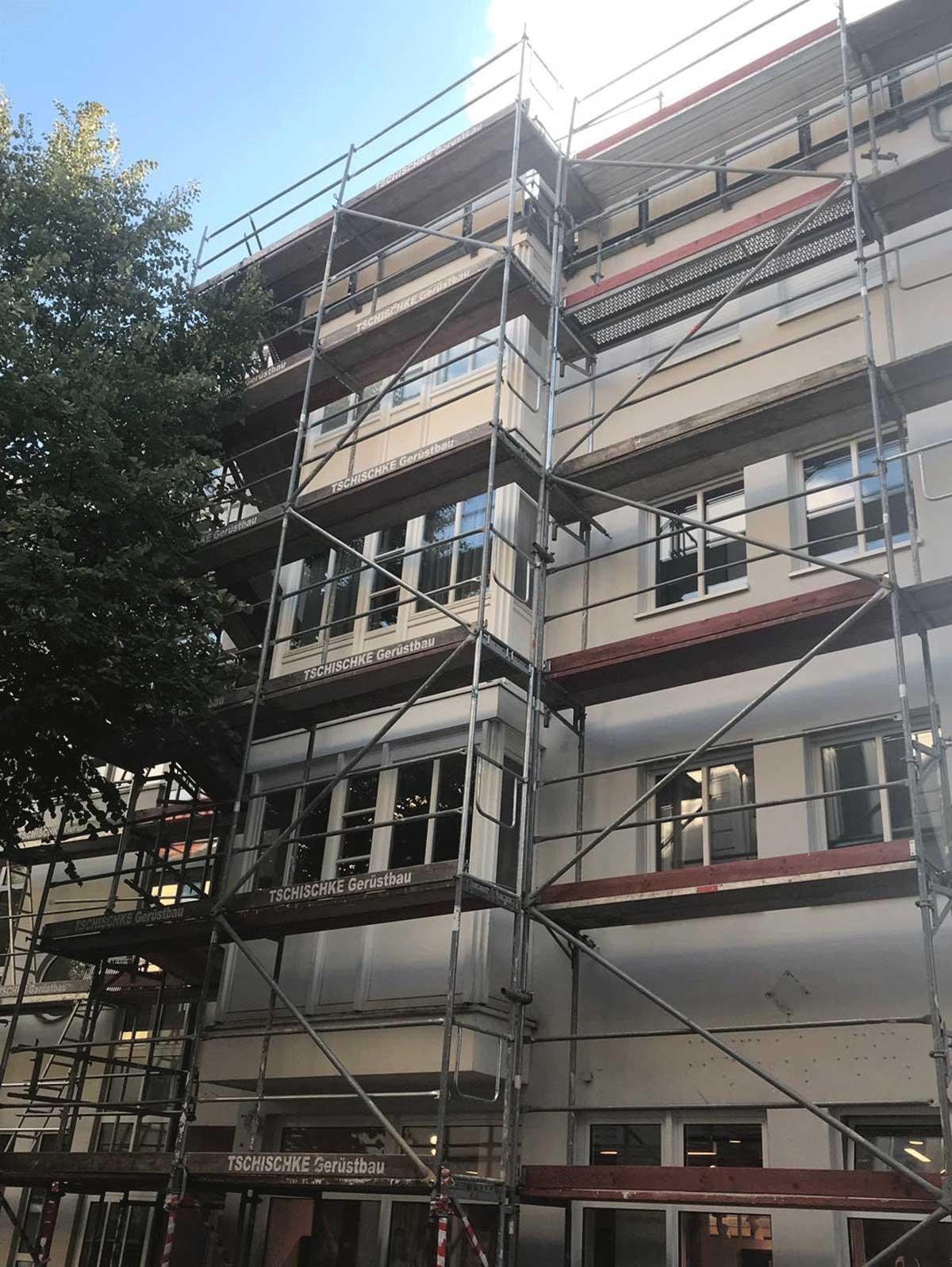 Fassadengerüst Arbeitsgerüst Baustelle Bauvorhaben Vlotho Herford deutschlandweit
